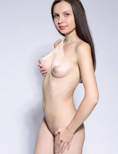 Nude Yani has perfect tits
