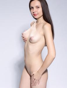 Nude Yani has perfect tits